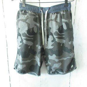 Vuori Mens Shorts S Small Green Camo Camouflage Unlined Active